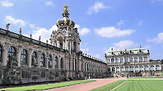 Zwinger crown gate